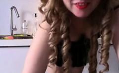 Teen Teasing Her Ass In The Kitchen