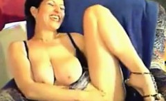 Sexy MILF Masturbating