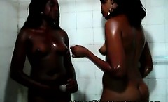 2 Hot African lezzies take a refreshing bath together