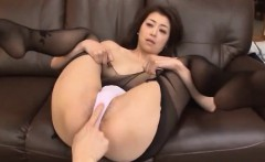 Tasty dong to crack her wet cunt