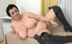 Fat Housewife masturbates with glass dildo