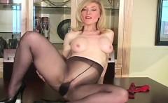 Sexy quim in dark pantyhose