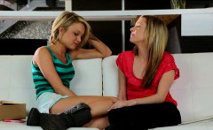 Two cute teens eating each others sweet muffs on the couch