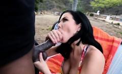 Seductive brunette Veronica Avluv blowing big cock.