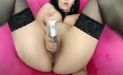 Naked babe squirts in leaked video
