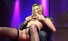 blonde Kyra shares orgasm with audience