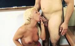 18 year old pornstar cum on hairy pussy