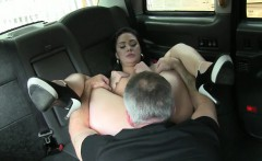 Hot amateur babe exchanged her pussy for a free taxi fare