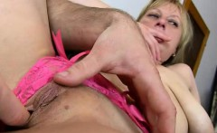Pussy spreading of czech amateur mom Gabina on close-ups