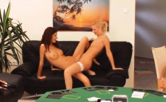 Gaming ffm threeway with lingerie beauties