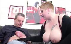 Vater fickt Stief-Tochter mit riesen Titten als Belohnung