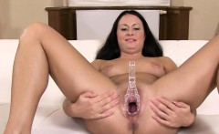 Beautiful czech pornstar Leila gaping hole