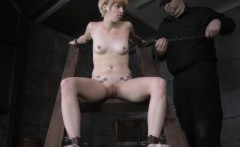 Restrained worthless skank in scarification session