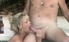 Amazing Blowjob from the Swimming