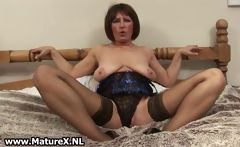 Horny old spreads her legs