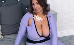 Massive Natural Tits OnThis Webcam Girl