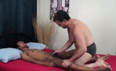 Rimmed filipino twink barebacked by daddy