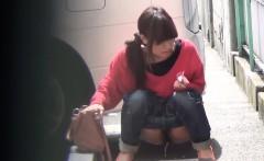 Kinky teens pee in street