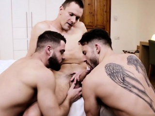 Russian bottom threesome with cumshot