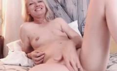 Hot Chatty Slut Fingering Her Pussy On Webcam