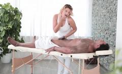 Babes - Black is Better - Full-Body Massage s