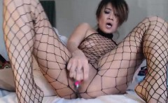 Petite Asian chick toys her ass on webcam