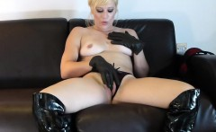 Kinky Blonde Masturbates With Her Leather Gloves