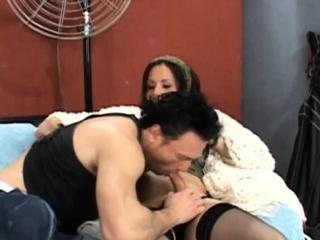 Horny t-girl fucks nasty guy