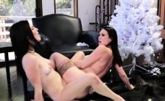 Lesbian Milf Tribbing