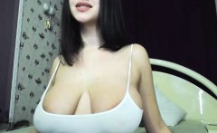 Ultra sexy latina babe showing her big boobs on webcam