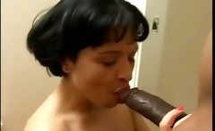 Busty MILF like to fuck bbc