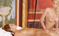 Ultra erotic massage between blondies