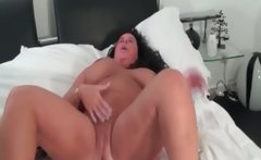 Dirty mature bitch goes crazy rubbing