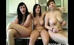 Three girls dancing on Cam - hookXu