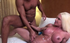 Ashlee Chambers Gets Her Muscles Fucked