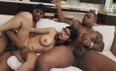 Hot sexy Mia Khalifa wants a cock to fuck
