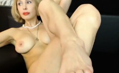 Mature Whore Shows Off Her Feet