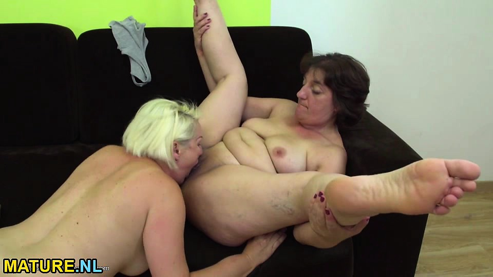 Mature lesbians scssoring and eating pussy Mature Lesbians Scissoring And Eating Pussy Nuvid