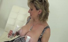Unfaithful uk mature lady sonia pops out her large boobs