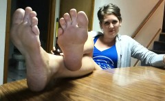 Feet and extended feet wrinkled