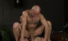 Muscle bear huge dildo and anal cumshot