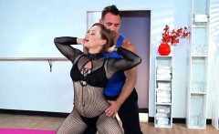 Kinky MILF Fucks Her trainer