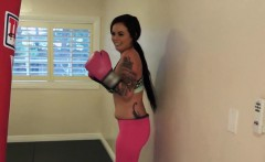 Mofos - I Know That Girl - Sexy Boxing Chick