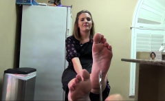 Pov jerk and suck scene with an amateur babe