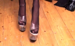 Nylon Girls shows their shoes