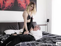 Blonde Ts Casey Kisses Bangs Her Assistants Bouncy Ass