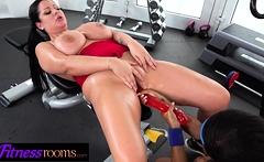 Fitness Rooms Ebony UK gym bunny Kiki Minaj