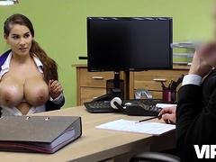Vip4k. Babe Passe Le Casting Sale Dans Le Bureau