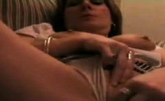 mature lady squirting on web cam