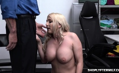 Christie Stevens offers her milf pussy
